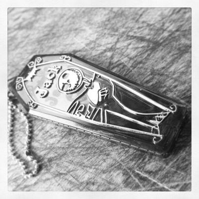Mimo dado pela minha irmã, o lindo chaveiro do Jack Skellington ><