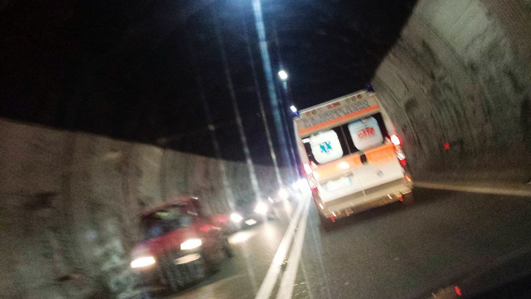 In the tunnel / Tunnel Highway Highways Lost Highway Ambulance Cars Night Street Night Lights Car Velocity Fast Cars Ambulance Lights Car Lights Machine Fast Vehicles Driving Emergency Emergence Medical Ambulanza Macchine Automobile Automobiles Ambulancias