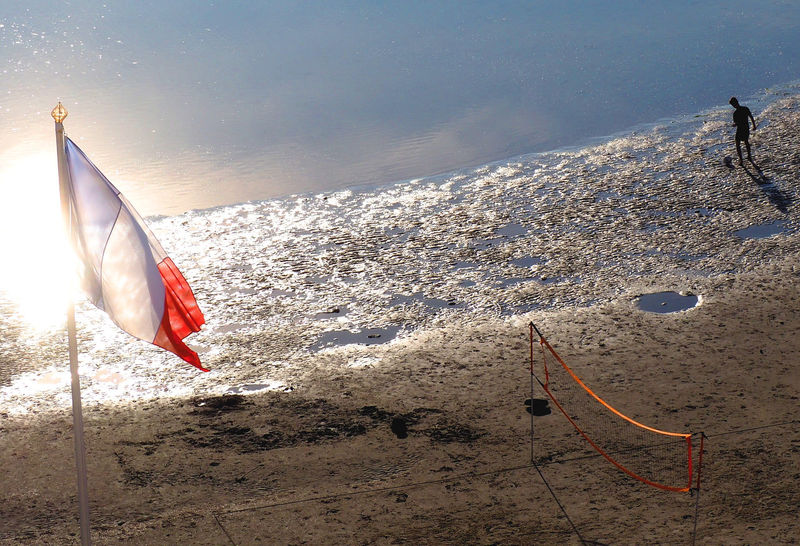 #Sommergefühle Beach Football Football On A Beach French Flag Le Touquet Beach Sand Games Sea And Sand Shoreline Sommergefühle Weekend Away