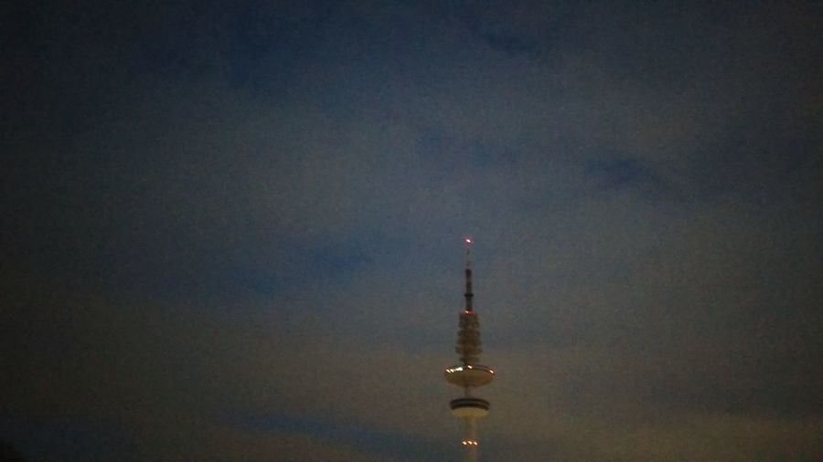 Heinrich-Hertz-Turm At Dusk. · Hamburg Germany 040 Hh Hamburgmeineperle Hamburg Meine Perle Messeturm Radio Tower Tower Landmark City Lights Night Lights Dusk Grainy Low Quality