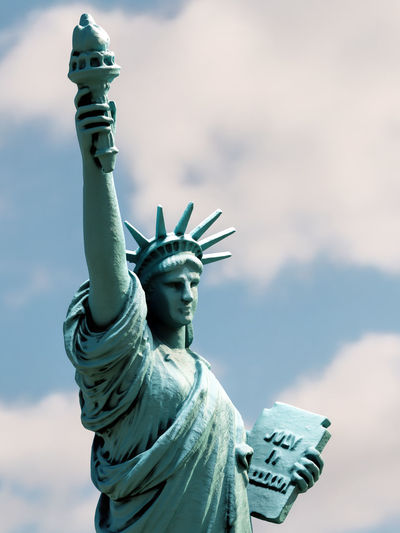 3d rendering of statue of liberty against the sky