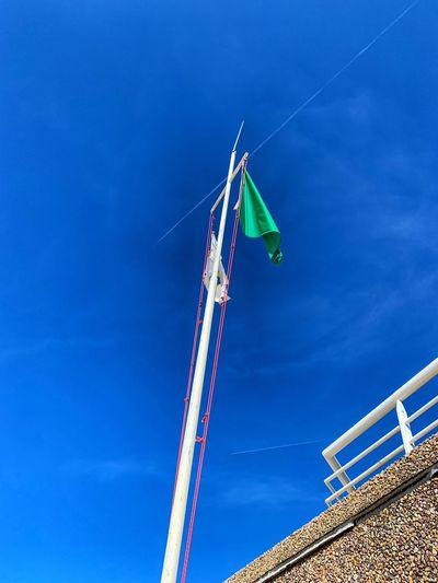 Flag Low Angle