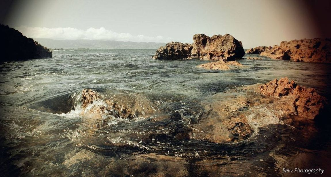 Water Water Reflections Scenics Exposure Taking Photos Wave Waterfront Surf Rock Formation Rock - Object Power In Nature Physical Geography Horizon Over Water Vintage Photo Tranquil Scene Nature Vacation Outdoors