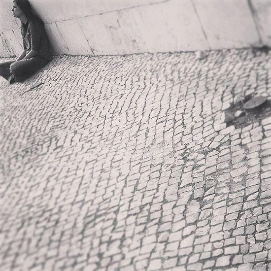 Waiting... Porto Oportolovers Portonoinsta Igers_porto Igersopo Ig_porto Igersportugal Ig_portugal Portugaldenorteasul Peloscaminhosdeportugal People Instadaily Instaphoto A_meu_ver Jornalinsta Instabw Bnw_life Bnw_city Igersbnw Blackandwhite Streetphotography_bw Blackwhitephotography Bw Monotonelife Monochrome instadaily shootermag monotone waiting shootermag_portugal human