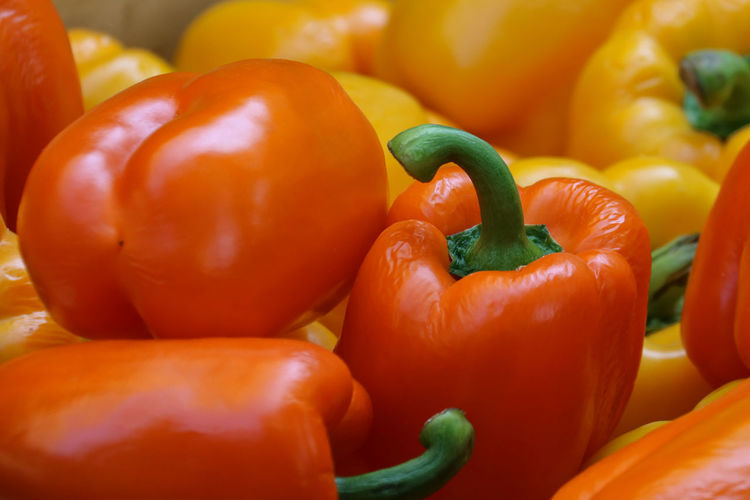 Vegetable Food And Drink Food Pepper Wellbeing Freshness Healthy Eating Bell Pepper Red Bell Pepper Red Large Group Of Objects Plant Stem Retail  Yellow Organic Yellow Bell Pepper Raw Food Orange Color Ripe Paprika Close-up No People Market Retail