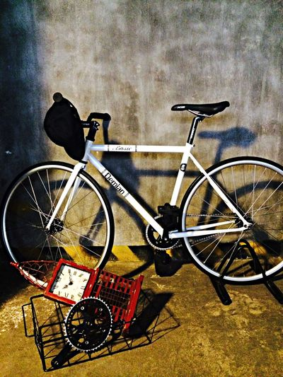 Fixed Gear Sporty My Room Interior Design