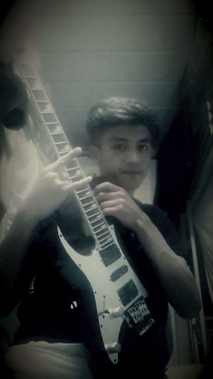 Rock Ibanze That's Me My Guitar:)