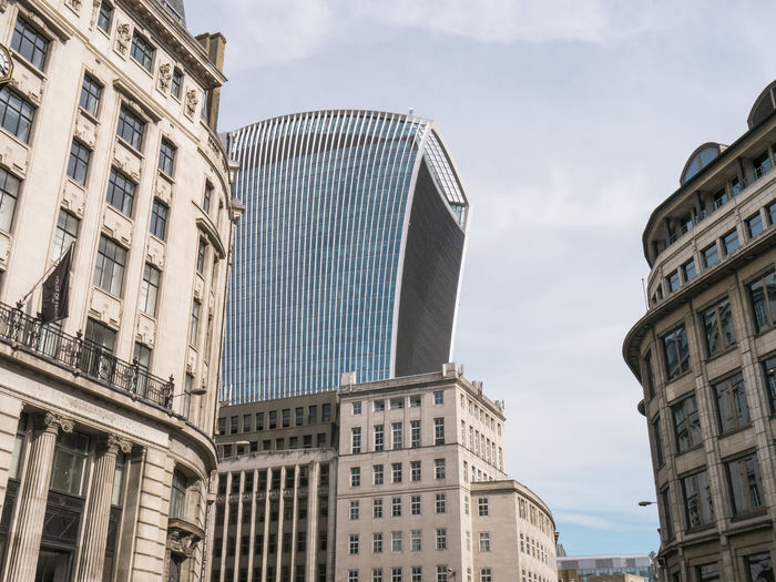 View of the new 20 Fenchurch Street building. London Skygarden Architecture Building Exterior Built Structure City Cityoflondon Day Low Angle View Modern No People Outdoors Rafaelviñoly Sky Skyscraper Streetphotography Walkietalkiebuilding
