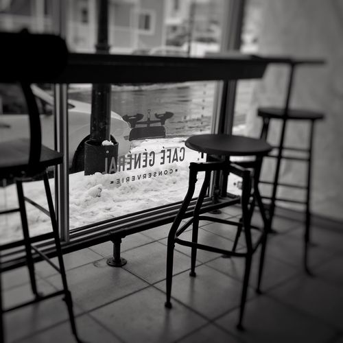 Pause café at Café Général IPhoneography Mobilephotography BW_photography Text Table Chair Indoors  No People