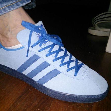 Todaystrotters Todaystrainers Adidastahiti Adidasislandseries Oneofmyfavorites Adidas Thebrandwiththethreestripes Ramon085 Trefoilonmyfeet