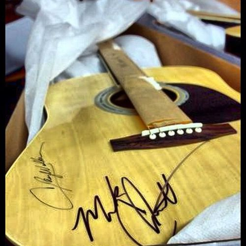 Here goes another Texastuesday shot for you guys. A guitar we raffled off at our annual Winksstock Festival at Winkssaloon in the riograndevalley It has markchenutt & claywalker signature on it. guitar countrymusicartist.