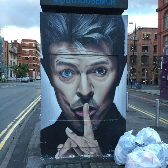 Streetart your welcome to open our minds Burger Manchester UK Bansky Black Star David Bowie One Person Street Art Photography Streetart Streetphotography Uk Whynot