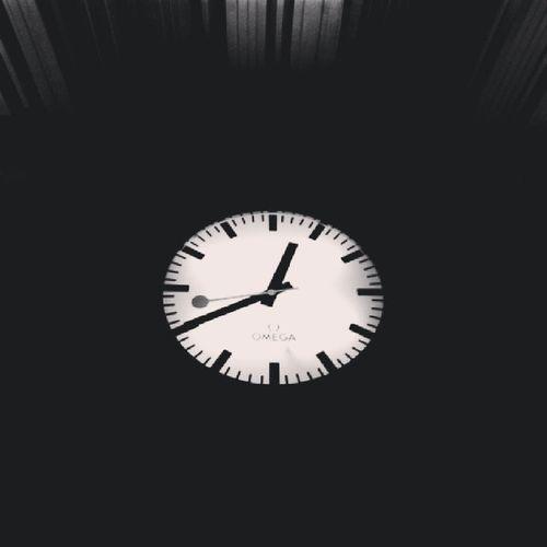 นาฬิกาของคนรอ อีกนานไหม เวลาไม่เคยรอใครAugustztinfeeling