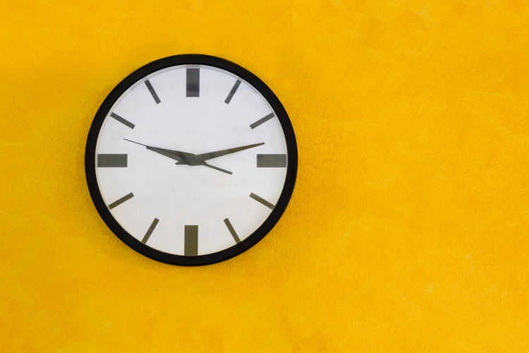 Circle Clock On Yellow Wall, Vintage Tone Antique Awake Business Countdown Retro Student Work Clock Clockwise Minute Time Vintage Waking Watchmaker Yellow Yellow Background