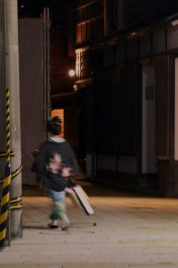 ひがし茶屋街 Taking Photos Kimono Night Japan Photography Streetphotography Nightphotography Woman Kanazawa Machiya Geisya Street Japan Scenery The Street Photographer - 2016 EyeEm Awards