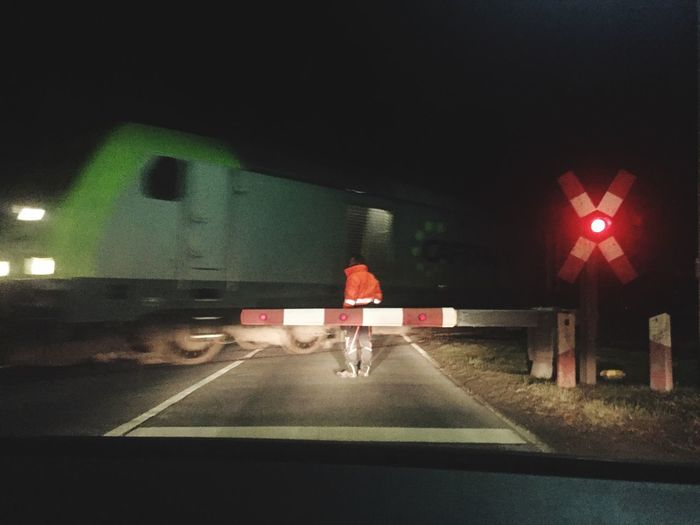 Xing Andreascross Train Worker Afterdark Delivery