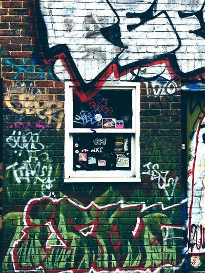Graffiti Creativity Crazy Meaningful  Built Structure Multi Colored Scenics