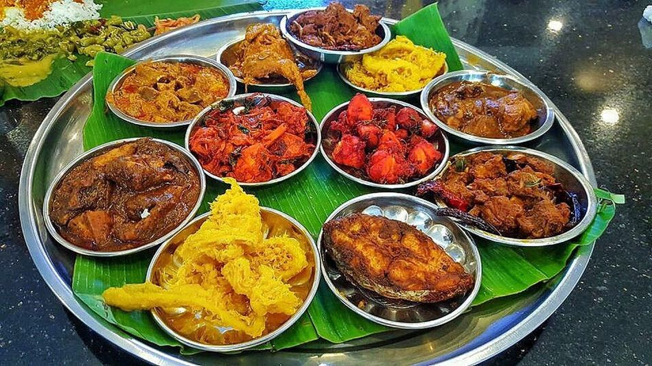 Indian Food Food Food And Drink Ready-to-eat Meat Variation Buffet Chicken Meat Fried Chicken High Angle View Plate Indulgence Meal Savory Food Table Bowl Temptation Appetizer Serving Size Chicken Wing Food State Abcfood'scorner Masjid India Indian Cuisine Banana Leaf