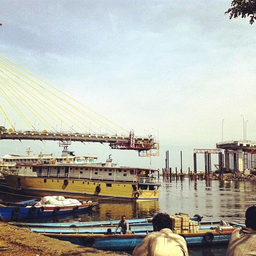 Entah kapan tersambung... Jembatanmegawati Manado Sulawesiselatan