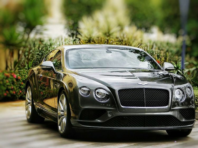 Nice car .. But expensive 😅 Cars Sport Fast Rich Mazagan Morocco Event Sunyday Nikon Nice Bentley Continentals Snapseed Luxury