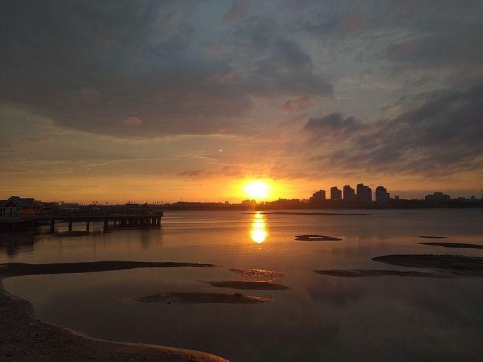 Закат в Казани казань татарстан город набережная Закат безфильтров Sea Beach Reflection Sand Sky Horizon Over Water Romantic Sky