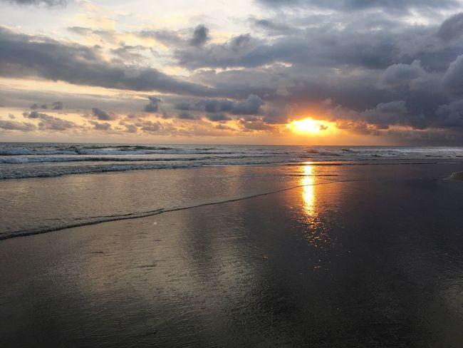 #meloliu #sand #water #sky #batu Belig Bali #landscape #iPhone