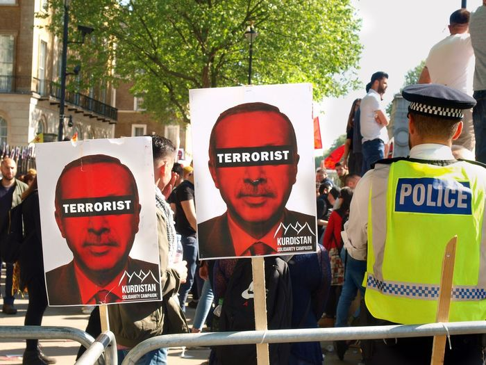 A Erdogan protest. Whitehall. London 15/05/2018 Turkish president Erdigan visiting london, protest outside of Downing Street. London Turkish Protest Stevesevilempire Protest Turkey Protesters Zuiko Erdogan Protest Whitehall London News Steve Merrick Erdogan Protest Olympus Metropolitan Police Text Communication Western Script Group Of People Tree Protest Day
