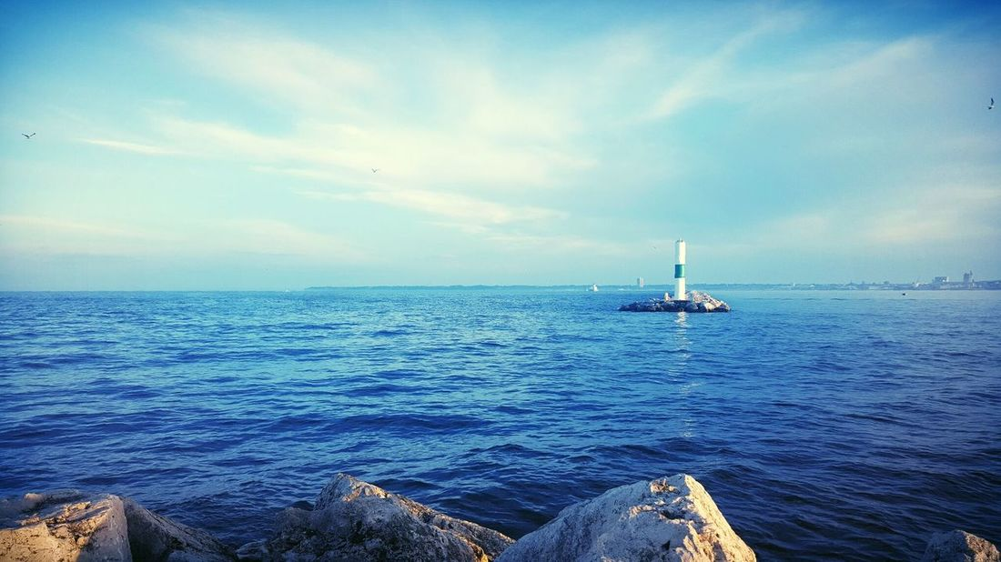 Here Belongs To Me City Life Lake Michigan The Great Outdoors - 2016 EyeEm Awards Port Of Milwaukee Travel Water Urban Exploration Wisconsin Life Summer 2016 Adventure Club On The Way