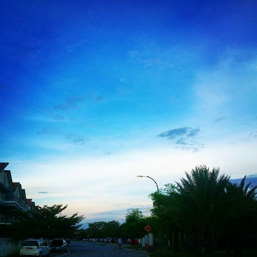要运动到有幻觉为止…哈哈…?? good morning,have a nice day.?? Morning Getfitwithalexfong Instagram Instapic view kampar runner running nikerunning peace blue sky unilife