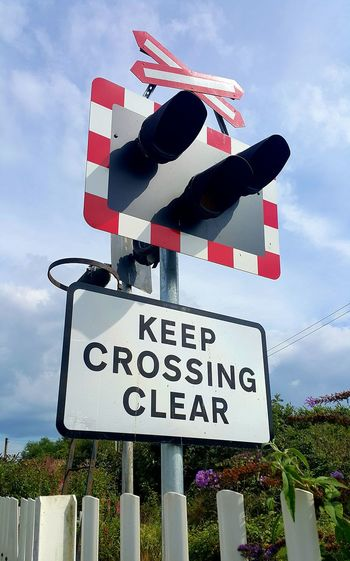 Road Sign Train
