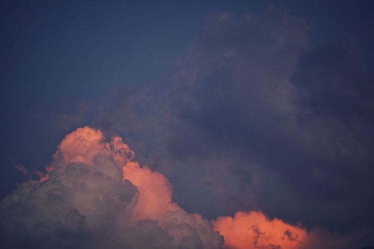 Soy clouds II Sky EyeEmNewHere Clouds Clouds And Sky Sunset Flame Sky Sky Only Cumulus Orange Color Dramatic Sky Romantic Sky