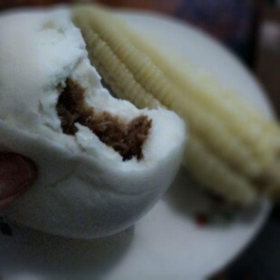 Day 33: Siopao or Corn for dinner?! Dissin' the corn of course. Eatin Siopao for dinner! Kaen! Siopao Pinoy Filipinosbelike dinner 100happydays