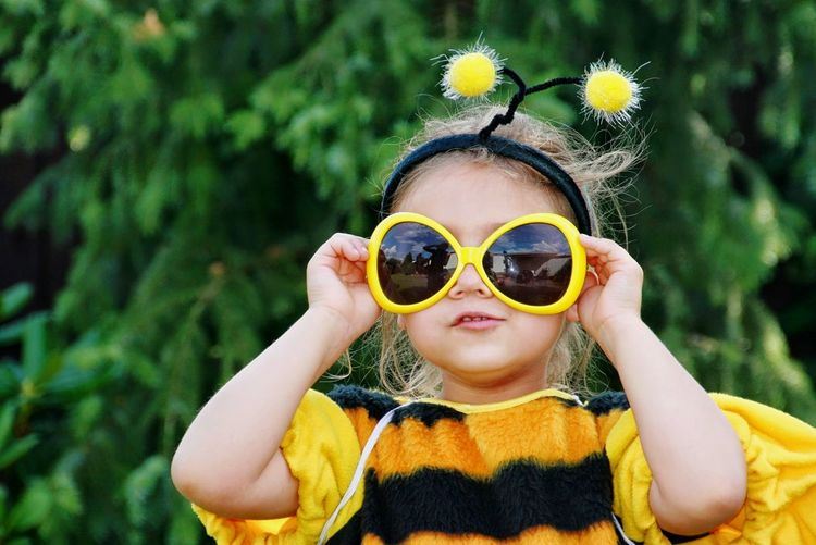 Biene Bee Sunglasses Karneval Fasching Carnevale Biene Kostüm Pupparazzi Child Children Only Childhood Portrait One Girl Only Front View Yellow Headshot Smiling Looking At Camera One Person Girls Nature Close-up Inner Power Summer Exploratorium #FREIHEITBERLIN The Portraitist - 2018 EyeEm Awards