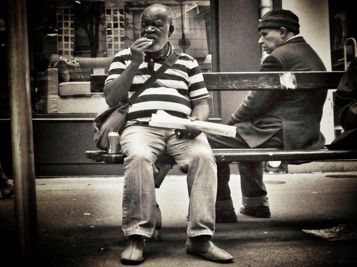 Quand susciter L'eau à La Bouche devient un Art... Streetphotography Street Life Streetportrait