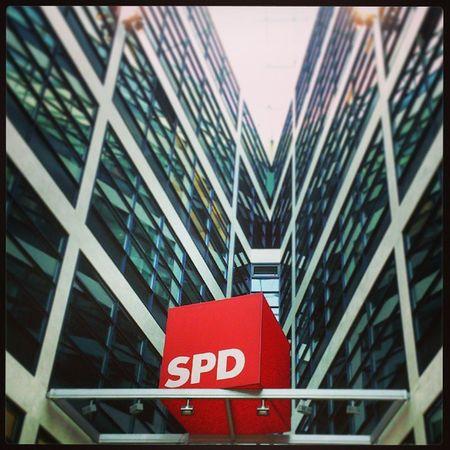 Btw2013 Spd : Die Würfel sind noch nicht gefallen Willy -Brandt-Haus