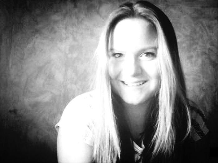 Taking Photos Hi! That's Me Smile ✌