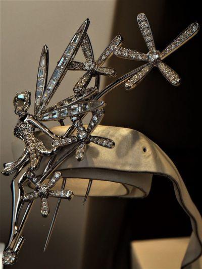"""diamonds are a girl's best friend"" Marilyn Bijou Brilliant Close-up Diamonds Gray Background Jewel Jewelry Lieblingsteil Pin Shine Shine Bright Like A Diamond  Shiny Silver - Metal Diamonds Are A Girl's Best Friend Uniqueness EyeEmNewHere Resist Art Is Everywhere"