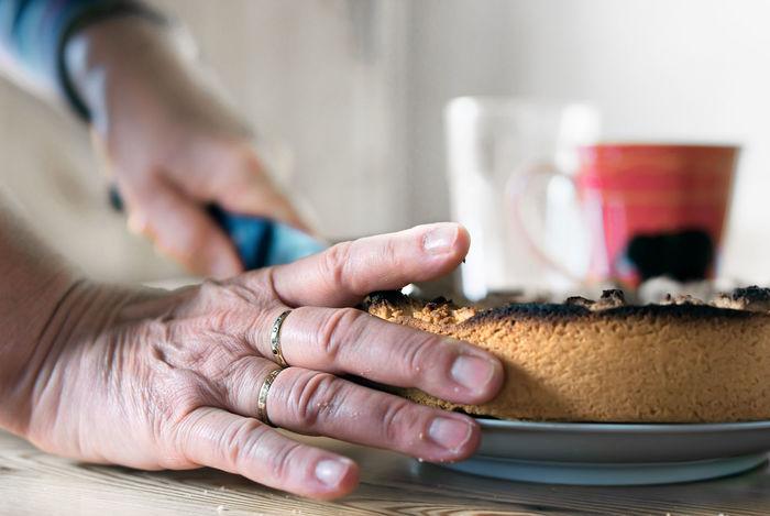 grandma and her selfmade cake Burnt Cake Cut Cut The Cake Grandma Selfmade Selfmade Cake