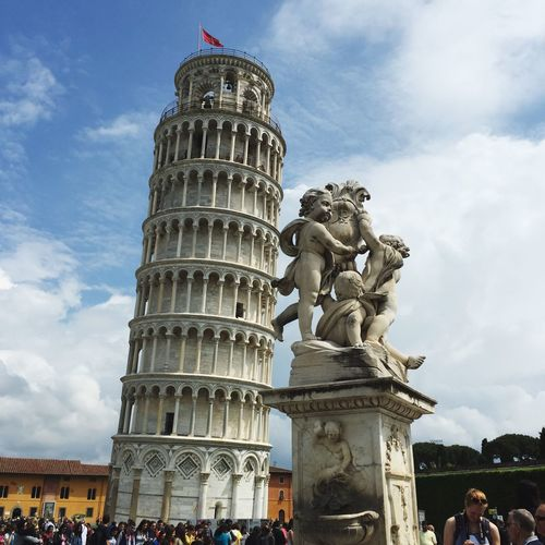 🇮🇹 Clouds And Sky IPhoneography Taking Photos Pisa Tower Italia Cloud - Sky Architecture Sky Built Structure Building Exterior Low Angle View Travel Tourism History City Sculpture Tall - High Large Group Of People Travel Destinations