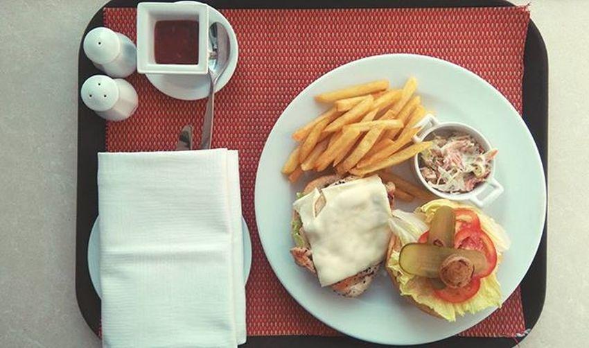 Healthy and yummy 😋 Crownplaza Lunch Grilledcheese Chicken Burger
