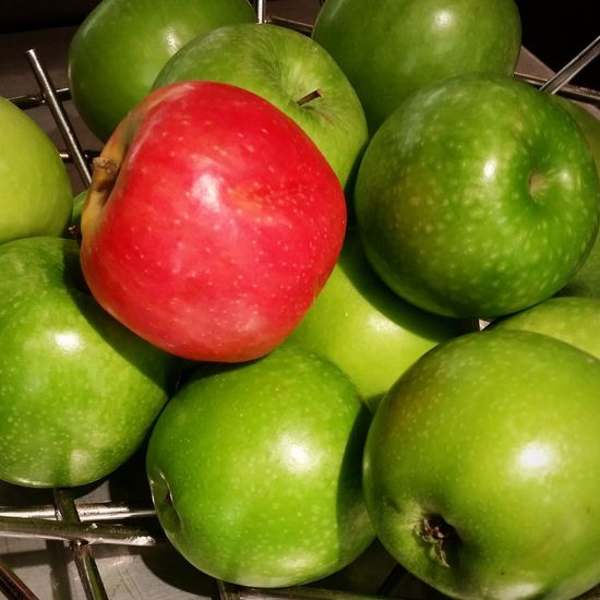 how you like them apples Apple Red Green Contrast Fruit Fruit Bowl Pink Lady Stand Out From The Crowd Green Color Fruit Healthy Eating Food Red Food And Drink Apple - Fruit Freshness Indoors  No People Granny Smith Apple Close-up Raw Food