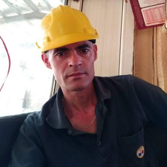 Işçi Portrait Headwear Hardhat  One Man Only Adult One Person Adults Only Only Men Business Finance And Industry Front View People Headshot Red Helmet Industry Looking At Camera Protective Workwear Occupation Day Men First Eyeem Photo Human Face Beauty In Nature Kütahyalı