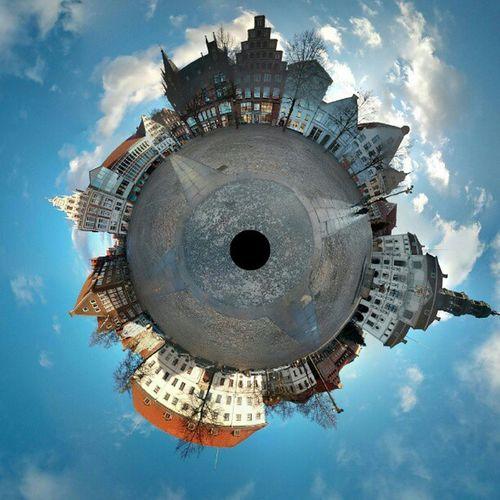 Marktplatz #Lueneburg als Tiny Planet mit dem #Nexus4 erstellt. Nexus4 Lueneburg