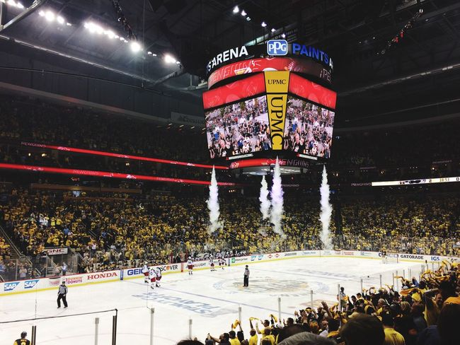 NHL Pittsburgh Penguins Pittsburgh Hockey Large Group Of People Sport Crowd Ice Hockey PPG Paints Arena Playoffs Stanley Cup Playoffs 2017 EyeAmNewHere