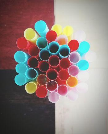 Multi Colored Close-up Geometric Shape Circle Colorful Focus On Foreground No People Strohalme Bunt Plastik Pink Color Bright Essen & Trinken Dekoration Deko Blog Trinken Küche Kitchen Utensils Spool