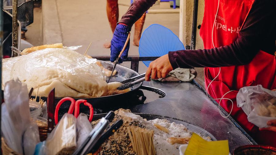 Food Food And Drink Hand Human Body Part Human Hand Market Street Food Thai Food Thaifood Working