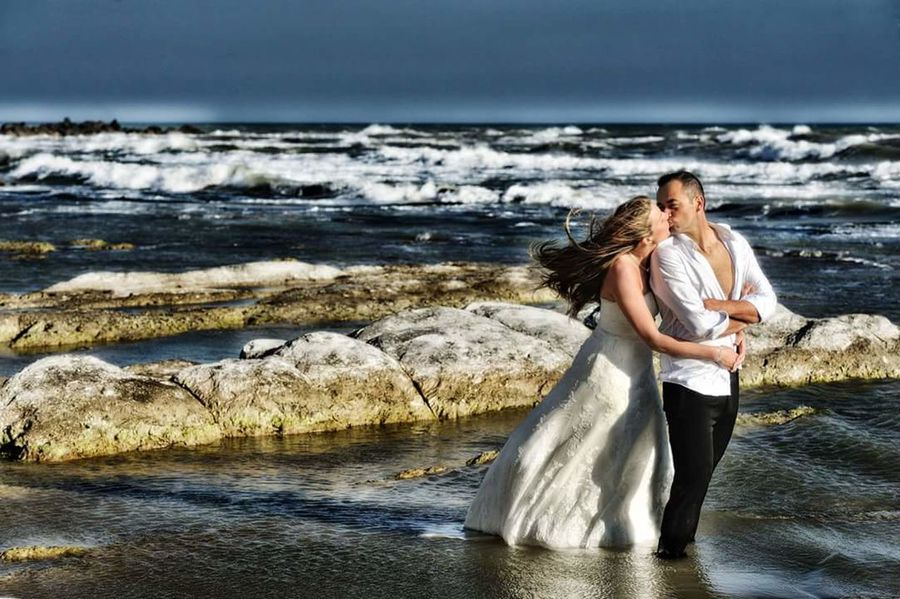 Sea Beach Togetherness Two People Adult Romance Love Horizon Over Water Wave Outdoors Bonding Water Sky Men People Happyness Cople Wedding Day Wedding Ceremony Bridegroom Bride Oldstylelovers Kiss