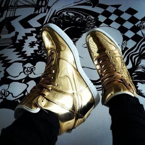 I want this. Can someone tell of what this pair is called? Nike Nikeshoes Snickers Wedges Heels Gold Swooshh