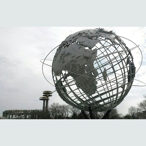 Finally visited Flushing Meadows Corona Park in Queens. This giant globe is actually much cooler than I thought. Sucks I didn't get into the world's fair pavilion, waaaaayyy too many people and I would've had to wait two more hours after the initial 3 hours already on line. Flushing Queens Corona Park worldsfair pavilion newyork newyorkcity
