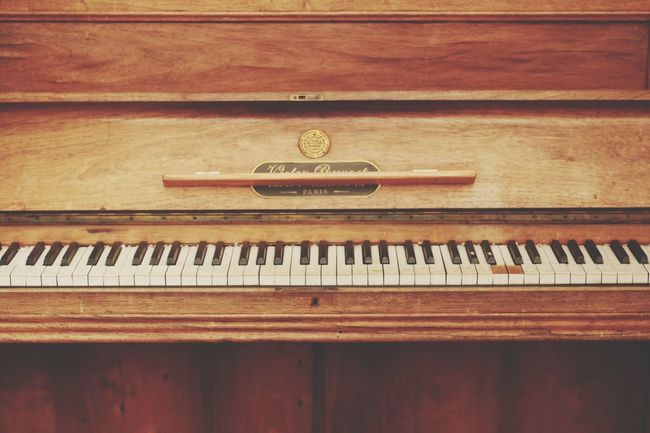 Piano Vintage Vintage Piano Music Musical Instrument Wood - Material Piano Piano Key Arts Culture And Entertainment Indoors  No People Day Close-up